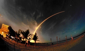 Time-lapse photo of the Atlas V launch in Florda